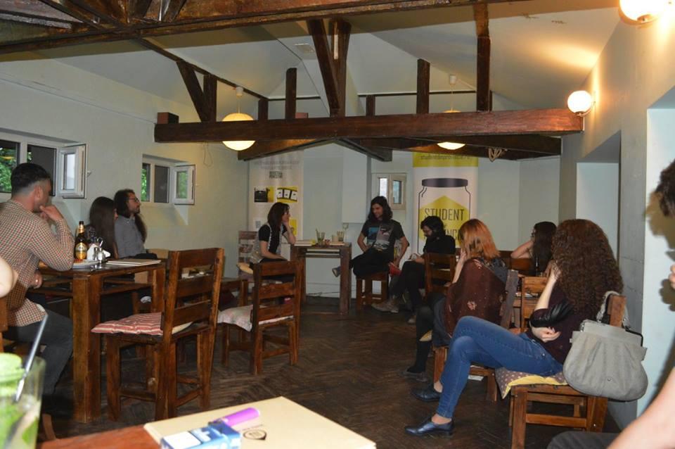 pop-up stories club baiuteii