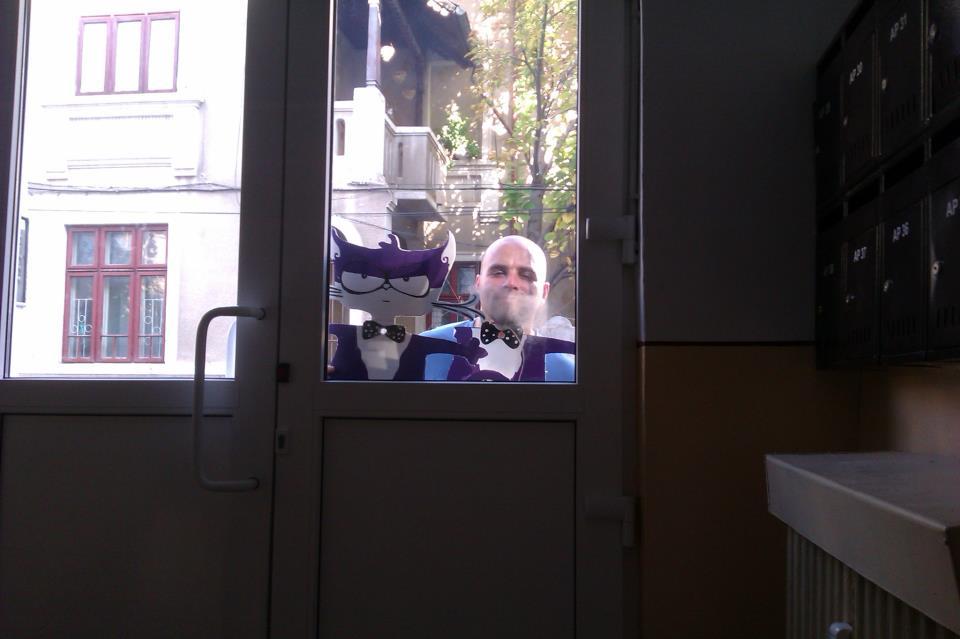 motanov at the door