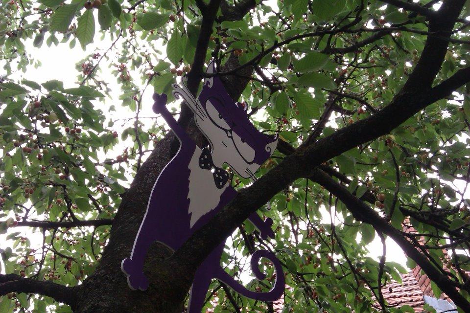 motanov in the tree